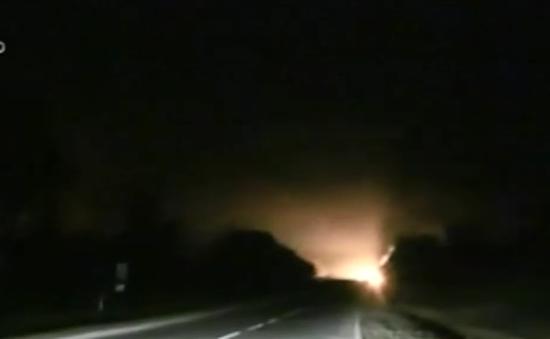 Cháy kho vũ khí ở miền Đông Ukraine, 2 người thiệt mạng