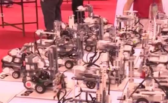Việt Nam đoạt 2 giải vô địch cuộc thi Robothon Quốc tế 2015