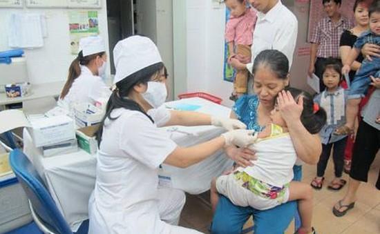 Quá tải đăng ký tiêm vaccine dịch vụ qua tổng đài 1080 ở TP.HCM