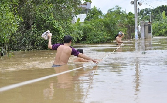 """Đồng Nai: Người dân """"khóc ròng"""" vì mưa lũ"""