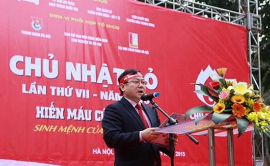 Hàng nghìn sinh viên, người dân tham gia Chủ nhật Đỏ
