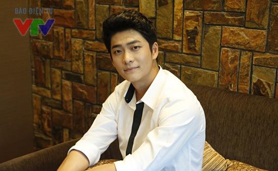 Kang Tae Oh úp mở về việc tham gia phần 2 Tuổi thanh xuân