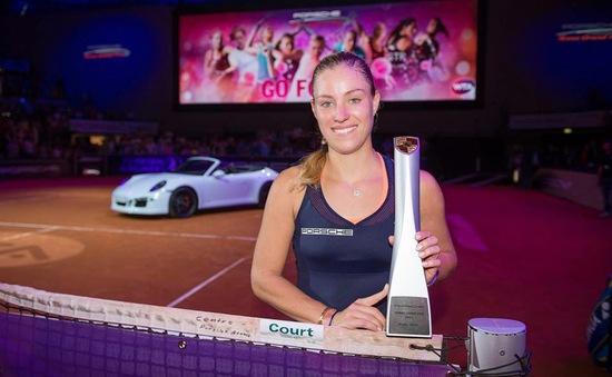 Hạ Wozniacki, Kerber đăng quang nghẹt thở ở Stuttgart
