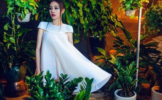 DV Phương Oanh: Bạn trai không ghen trước cảnh 'mùi mẫn'