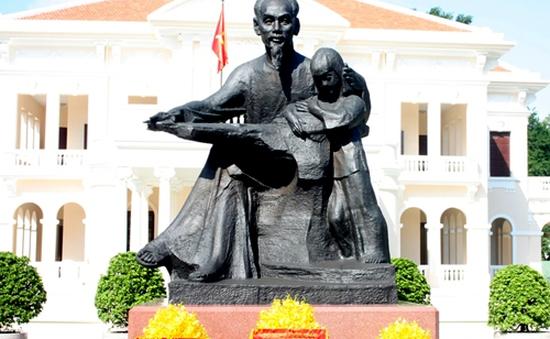 TP.HCM cung thỉnh tượng Bác Hồ về Nhà thiếu nhi thành phố