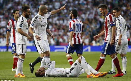 """Chấm điểm derby Madrid: """"Đậu thần"""" Chicharito, """"Đồ tể"""" Arda Turan"""