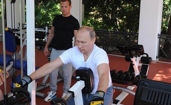 Tổng thống Putin tập... thể hình