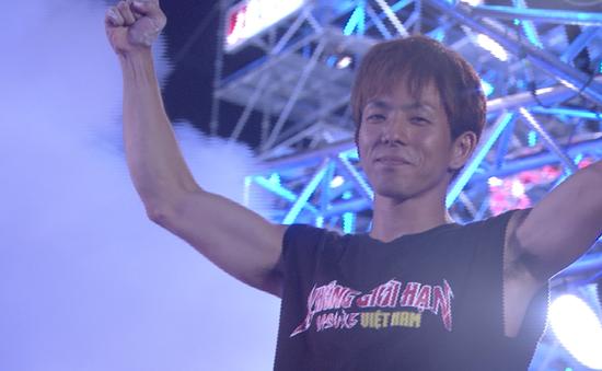 """Sasuke Việt Nam: Choáng với thành tích của """"siêu nhân"""" Nhật Bản"""