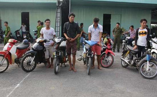 """Tây Ninh: Bắtnhóm """"quái xế"""" đêm khuya"""