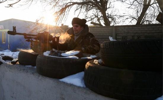 Người dân miền Đông Ukraine chạy sang Nga vì lo sợ giao tranh