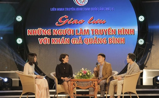 Khán giả Quảng Bình hào hứng giao lưu với những người làm truyền hình
