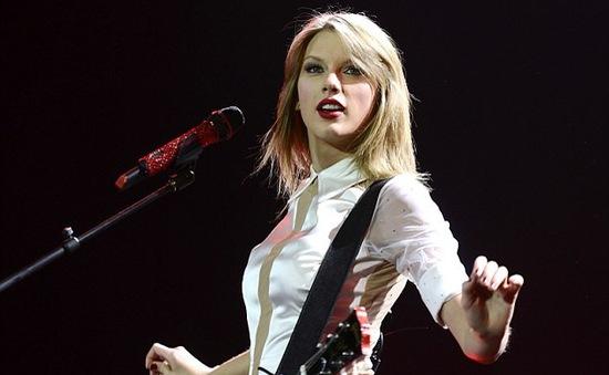 Taylor Swift thích bị... kiệt sức
