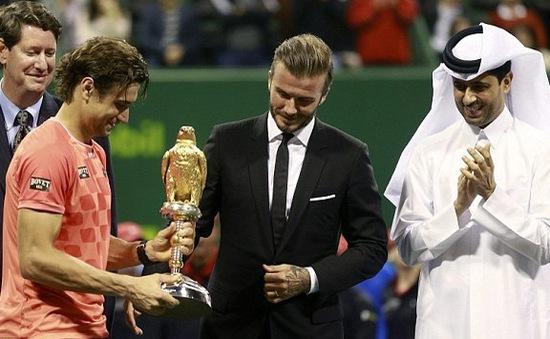 Qatar Open 2015: David Ferrer nhận cúp từ David Beckham