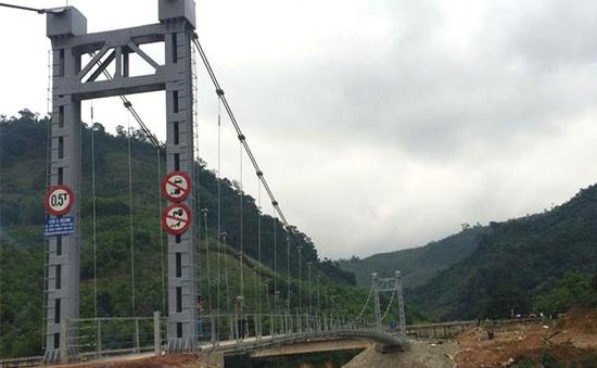 Quảng Bình: Bàn giao 10 cầu treo dân sinh trước mùa mưa bão
