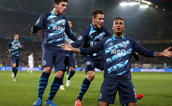 Basel 1-1 Porto: Cựu vương thoát hiểm nhờ penalty