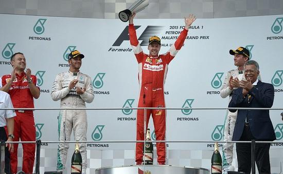 F1 Malaysian GP: Đánh bại Lewis Hamilton, Sebastian Vettel lên ngôi vô địch