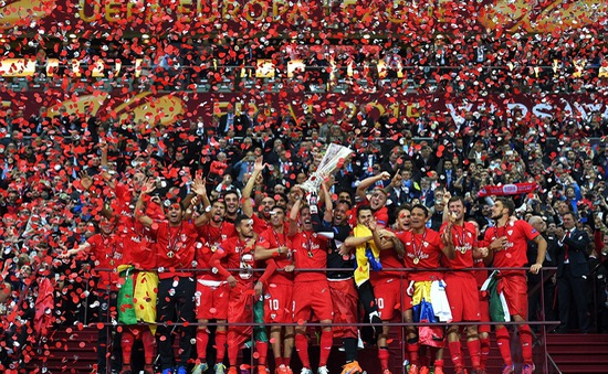 Thắng kịch tính, Sevilla làm nên lịch sử tại Europa League
