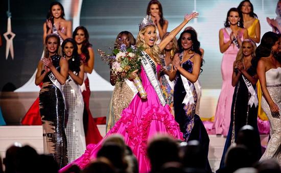 Ứng xử thông minh, người đẹp tóc vàng đăng quang Hoa hậu Mỹ 2015