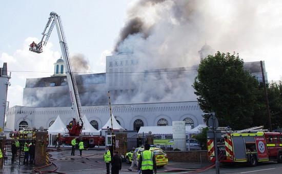 Cháy nhà thờ Hồi giáo lớn nhất châu Âu