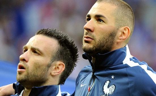 Benzema và Valbuena cùng bị loại khỏi danh sách ĐT Pháp vì vụ clip 'nóng'