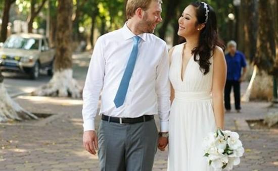 """Hoa hậu Ngô Phương Lan: """"Chồng tôi sẽ nghỉ làm để chăm con"""""""