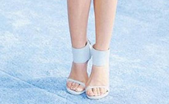 Hé lộ kiểu sandal sành điệu nhất hè 2015