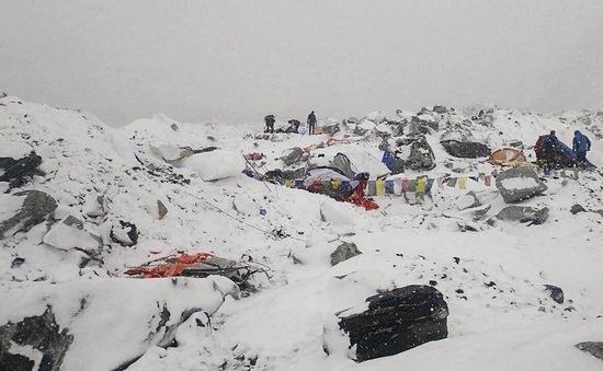 18 người thiệt mạng trên đỉnh Everest do động đất tại Nepal