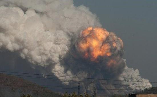 Ukraine: Nổ nhà máy hoá học tại Donetsk