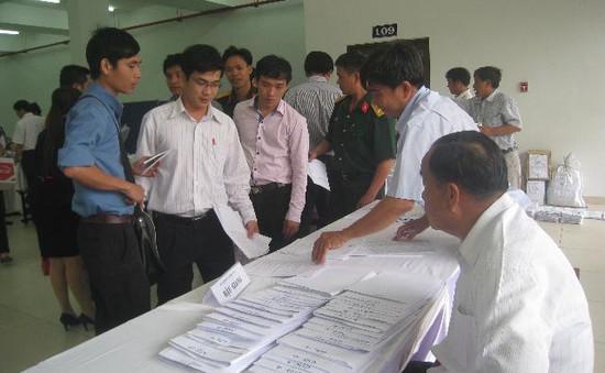 Phí dự tuyển vào các trường ĐH, CĐ 30.000 đồng/hồ sơ