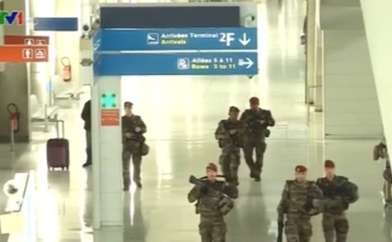 Các nước tăng cường an ninh sau vụ khủng bố 13/11 tại Pháp