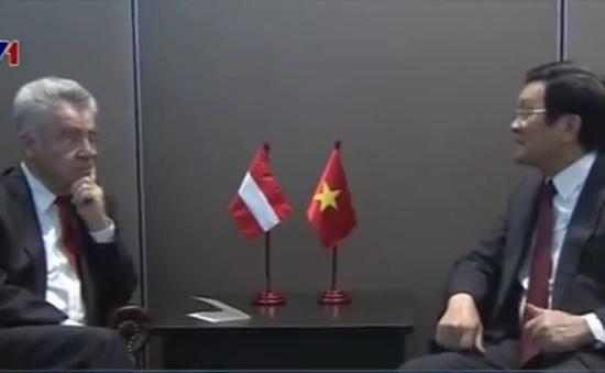 Chủ tịch nước Trương Tấn Sang gặp Tổng thống Áo