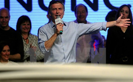 Argentina: Ứng cử viên đối lập cánh hữu Mauricio Macri thắng cử