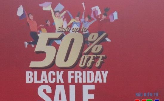 Các hãng thời trang đua nhau giảm giá trong ngày Black Friday