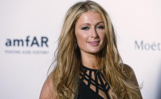 Paris Hilton không cần dao kéo vì đã quá hoàn hảo