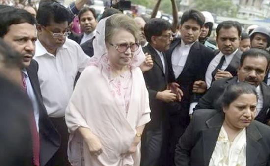 Bangladesh: Cựu Thủ tướng Khaleda Zia được tại ngoại có điều kiện