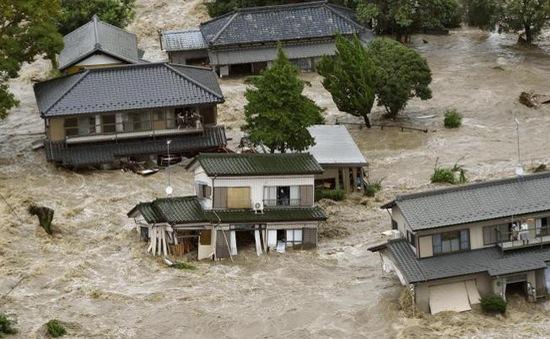 Bão Etau đổ bộ Nhật Bản, ít nhất 15 người bị thương