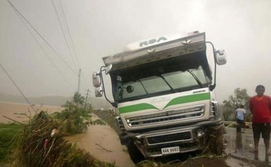 Bão Goni tràn vào Philippines, ít nhất 10 người thiệt mạng