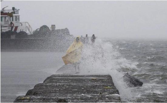 Trung Quốc chuẩn bị đối phó với hai cơn bão