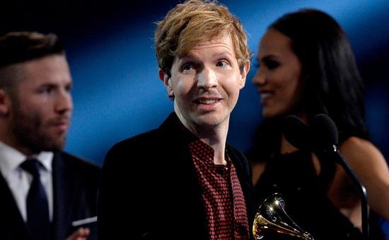 Trang Wikipedia của ca sĩ đoạt giải Grammy 2015 bị hack