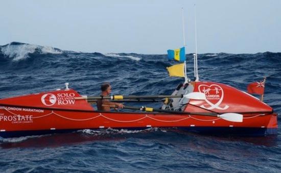 Người đàn ông một mình chèo thuyền vượt Thái Bình Dương