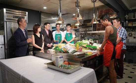 Vua đầu bếp Việt 2015: Top 4 'quát mắng' nhau trong thử thách đồng đội