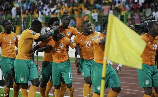 Bony và Yaya Toure lỡ đại chiến với Chelsea