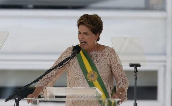 Tổng thống Brazil bác bỏ khả năng từ chức