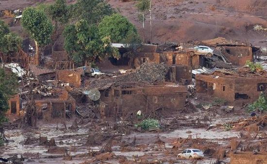 Hàng chục người mất tích trong vụ vỡ đập nghiêm trọng ở Brazil