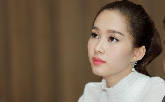 Ngắm Hoa hậu Thu Thảo xinh đẹp hút hồn