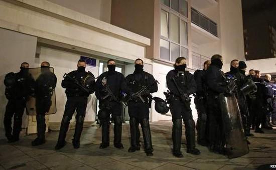 Bỉ đề xuất hỗ trợ Pháp truy bắt những kẻ tấn công tòa báo ở Paris
