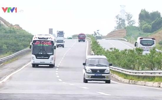 Khẩn trương xử lý lún, nứt trên cao tốc Nội Bài - Lào Cai