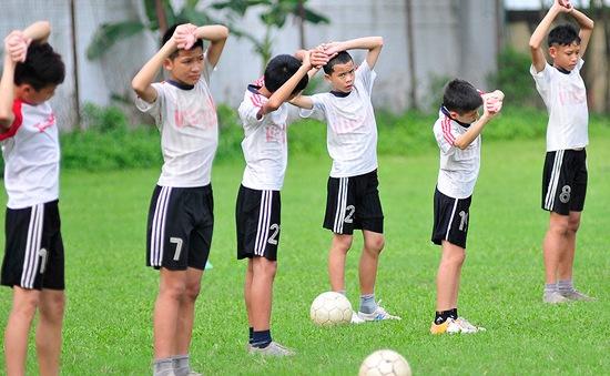 """Giải thể đội bóng: Cầu thủ trẻ """"bơ vơ"""""""