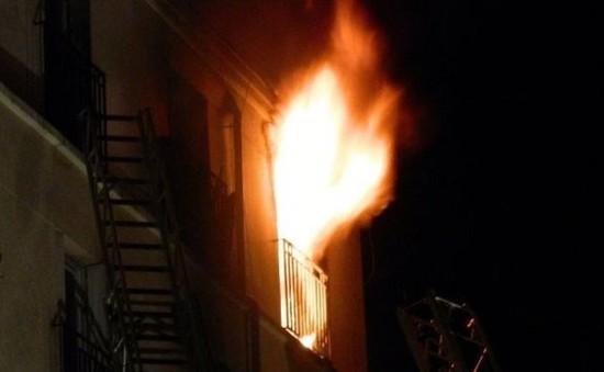 Pháp bắt đối tượng tình nghi phóng hỏa chung cư