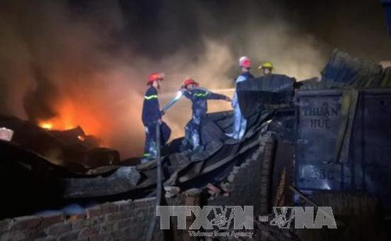 Cháy lớn công ty xây dựng ở Thanh Hóa, thiệt hại hàng tỉ đồng
